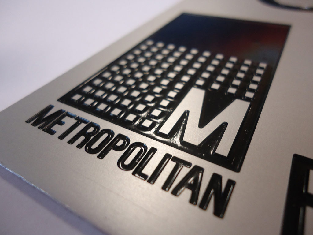 gravure plaque dibond metropolitan hazebrouck