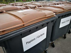 étiquettes autocollants pour poubelle papier et cartons